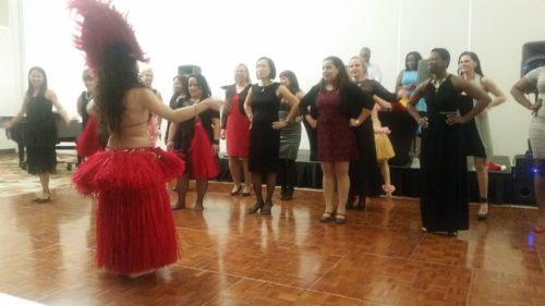 Ladies Hawaiian dance lesson